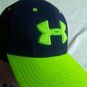 Under Armour hat size M/L navy